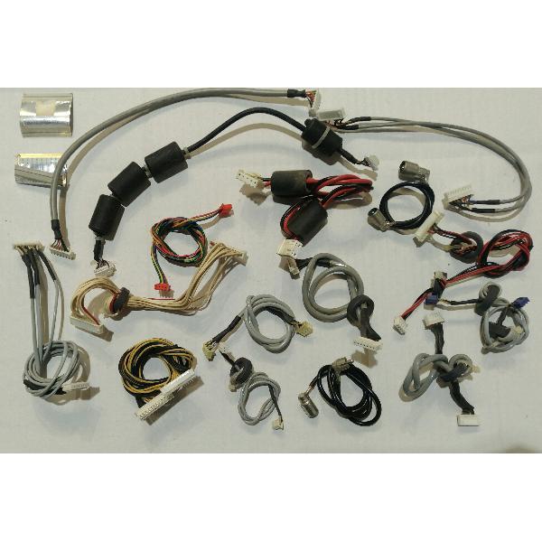 SET DE CABLES PARA TV SCHNEIDER STFT3256 TDT HD-PIP - RECUPERADOS